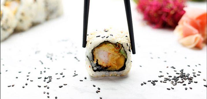 Køb i dag! 52 stk. sushi fra Mr. Fish - Glæd dig til en hyggelig aften med sushi på menuen. Du får 52 stykker takeaway hos Mr. Fish, værdi kr. 470,-