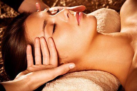 Uma pele cuidada é sempre uma pele mais saudável e bonita! Cuide da sua pele com a ajuda deste tratamento de rosto do Spa Vital que inclui Tratamento rosto + Massagem às mãos e rosto, para 2 pessoas, por apenas 42,9€