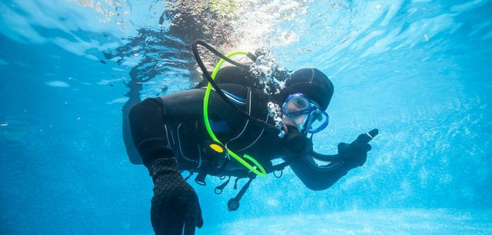 £12.50 instead of £25 for a two-hour discover scuba lesson at DiveMania Scuba, Grays - save 50%