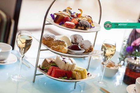 £29 instead of £77 for afternoon tea for two people with a glass of Prosecco each at 5* Montcalm Hotel, Mable Arch - save 62%