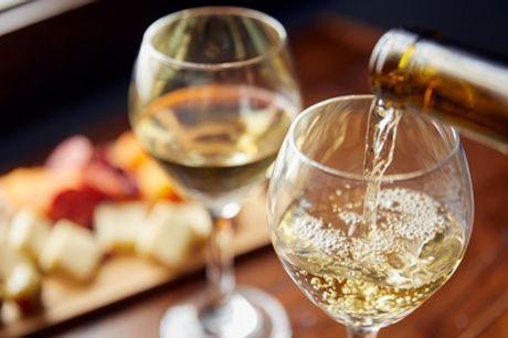 Weinprobe mit 6 Spitzenweinen, Aperitif und großer Käse-Wurst-Platte für 2 oder 4 Personen (bis zu 58% sparen*)