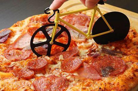 Fahrrad-Pizzaschneider. Wahnsinnig cooler Fahrrad-Pizzaschneider aus rostfreiem Stahl. Einfach zu reinigen und klebt nicht. In 3 Farben verfügbar