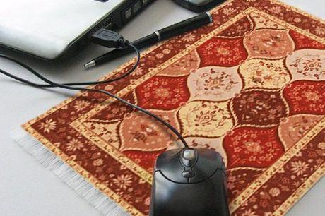 Persischer Mausteppich. Ein Mini-Perserteppich als originelles Mousepad. Gewebter Teil mit einzigartigen Mustern, gummierter Teil bietet der Maus Stabilität. Verfügbar in fünf Farben