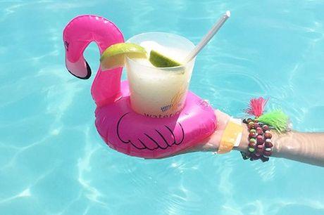 5x Aufblasbare Flamingo Getränkehalter. Lustiges Gimmick für Pool und Badewanne. Kann Becher, Getränkedosen oder Spielzeug halten. Set von fünf Stück