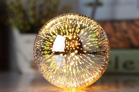 3D-Glühbirne. Verleiht Partys viel Glanz mit 3-D-Effekten. Ideale Dekoration. Licht ist nicht schädlich für Augen. Umweltfreundlich. Erhältlich in sechs Modellen.
