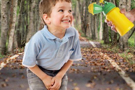 Tragbares Urinal für Kinder. Auslaufsicheres und geruchsneutrales Design. Enthält zwei verschiedene Düsen für Jungen und Mädchen. Einfach und unkompliziert zu benutzen. Erleichtert das Leben aller Eltern.