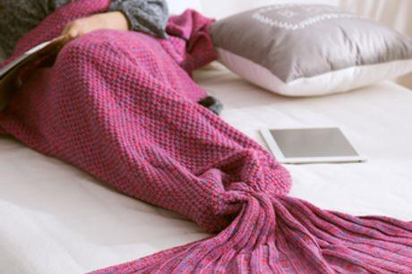 Warme Meerjungfrau-Decke für Kinder und Erwachsene. Bleibe warm und gemütlich wie eine Meerjungfrauen-Prinzessin in dieser Decke zum Überziehen. Aus weichem Wollmaterial für Wärme und Komfort. Muss von Hand gewaschen oder chemisch gereinigt werden. Passt