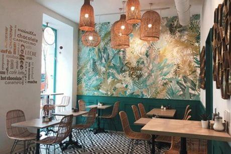 Menú para 2 personas con entrante, principal, postre y bebida en Seara Cafe (hasta 55% de descuento)