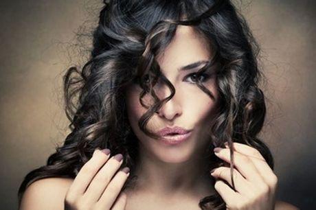 Pacchetti per capelli con taglio, piega, colore ed effetti luce al centro estetico Dama (sconto fino a 76%)