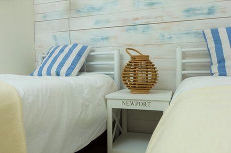O Turismo d'O Século localiza-se em frente à praia S. Pedro do Estoril o que faz dele o sítio perfeito para uma escapadinha romântica a dois. Aproveite agora 1 ou 2 noites de alojamento a partir de 39,90€