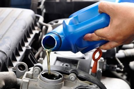 Revisión pre-ITV y cambio aceite con opción a cambio de los filtros en el taller Martinauto