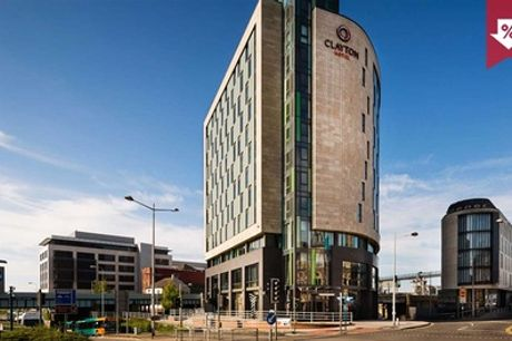 Cardiff: Standard Room for 2 with Breakfast, Late Check-Out, Prosecco and Option for Dinner at 4* Clayton Hotel Cardiff