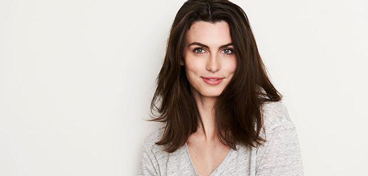 Få frisket frisuren op med en dameklip og hårkur hos Figaro i Vejle