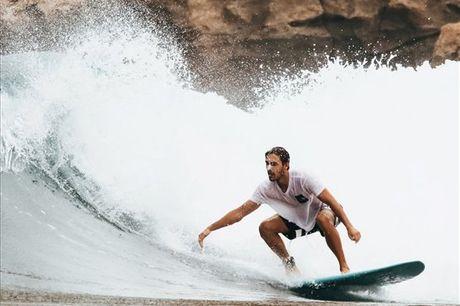 Experimente atividades diferentes e dê uma oportunidade ao Surf, vai ver que não se vai arrepender! A Salty Souls Tours quer partilhar consigo a paixão pelo surf. Aproveite uma aula de surf, para 1 ou 2 pessoas, a partir de 24,90€