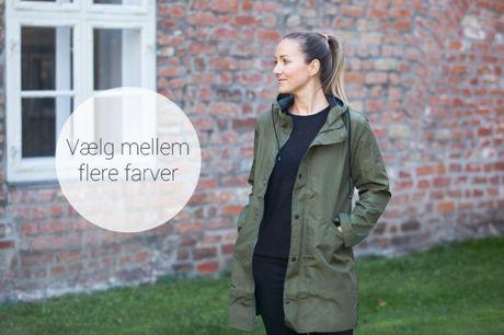 Mød efteråret iført denne klassiske og funktionelle jakke, som er vind- og vandafvisende. Vælg mellem mange størrelser og farver - inkl. fri fragt