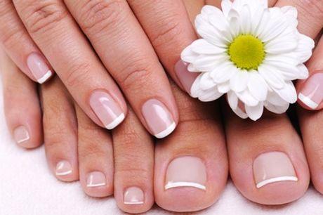 Manicure e pedicure con smalto e ricostruzione unghie al salone Franco Lembo Parrucchiere (sconto fino a 86%)