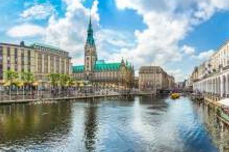 Maritimer Charme in Hamburg. Lernen Sie das schöne 4-Sterne Hotel The Rilano an der Elbe kennen und geniessen Sie einen unvergesslichen Aufenthalt: Das Hotel liegt direkt an der Elbe und verfügt über einen eigenen Landungssteg mit dem Fähranleger Rüschpar
