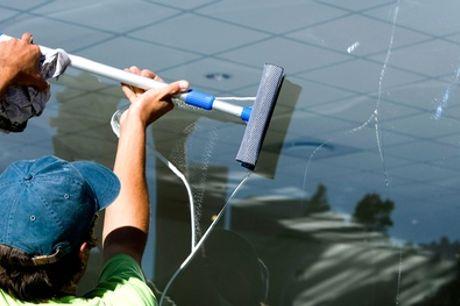 Reinigung für 10-30 Fenster innen und außen + Rahmen bei AVS Dienstleistungen (bis zu 50% sparen*)