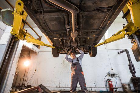 Forlæng din bils levetid og hold rusten væk med en undervognsbehandling hos E&J Autoservice i Juelsminde