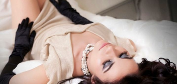 Boudoir Makover Photoshoot Plus Print at Colin Charles Photography