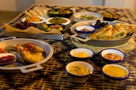 """Frühstück """"Spezial"""" mit Heißgetränk für bis zu 4 Personen bei Aladins Cafe (bis zu 50% sparen*)"""