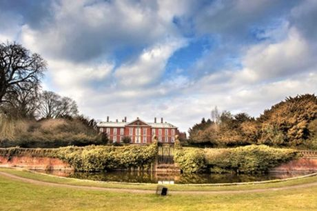 Warwickshire: 1 Night for Two with Breakfast, Wine, Leisure Access and Option on Dinner at Bosworth Hall Hotel