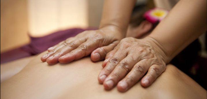 Thai Oliemassage, fjerner træthed og giver energi! - Få 60 min. Thai- og oliemassage hos Suriya Massage & Spa, værdi kr. 350,- En blid og afslappende massageform, som er et alternativ til den hårde thaimassage!