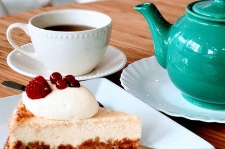 1 pâtisserie et 1 boisson au choix chacun pour 2 ou 4 personnes au salon de thé Gourmandises de Paris