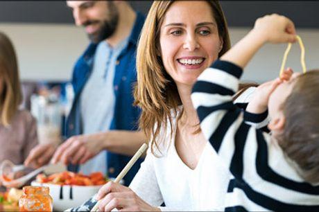 Super deal på Italienske måltidskasser - Forkæl familien med lækre italienske retter. Denne deal er på 1 stk. FAMILIE måltidskasse til 4 personer, vælg mellem forskellige måltidskasser. Værdi kr. 375,-