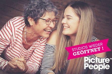 GENERATIONEN-Fotoshooting bei PicturePeople + Make-up und 3-4 Bilder als Ausdruck & Datei (bis zu 76% sparen*)