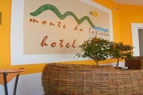 Hotel Rural Monte da Lezíria: 1 ou 2 Noites com Pequeno-Almoço. Venha Visitar a Costa Vicentina!