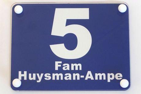 Ontwerp je eigen huisnummer-bordje met je naam, online via Streetsign