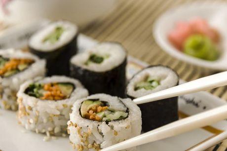 Sushibox (40 stuks) in Den Haag Afhalen bij Urban Sushi  Voor 2-3 personen  Min. 6 verschillende soorten