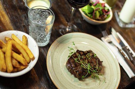 Spar 20% i aften: Ravnsborg Kitchen & Bars signatur øl er Brooklyn og køkkenet er en fusion af det Nordiske, Franske og Italienske.  Book hér og få rabat på hele regningen i dag!