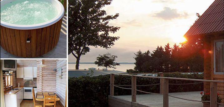 Luksus feriehytte for 6 ved vandet - Nyd den danske sommer i luksus feriehytte for op til 6 personer inkl. slutrengøring, fitness mm. Værdi op til kr. 5275,- alt efter ferieperiode.