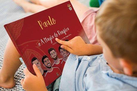 Neste livro, as crianças têm a hipótese de conhecer os seus ídolos, partilhar o balneário com eles e até jogar no estádio com que sempre sonharam! Livro infantil personalizado do Benfica e nome à escolha, por apenas 25,40€