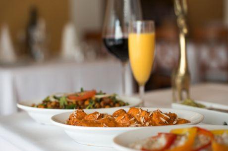 Spar 15% i aften: Madanmelder Adam Price skrev: Et glædeligt gensyn med Al-Diwan på Vesterbro - byens måske bedste pakistansk-indiske restaurant. Og så er priserne til og med rimelige.  Book hér og få rabat på hele regningen i aften!