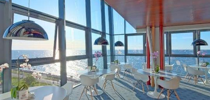 Marine Hotel. Wellness ved Østersøen 5-stjernet wellnesshotel - 2 overnatninger - 2 x morgenmad - 2 x aftenbuffet - Adgang til wellnessafdeling - Gratis internet)