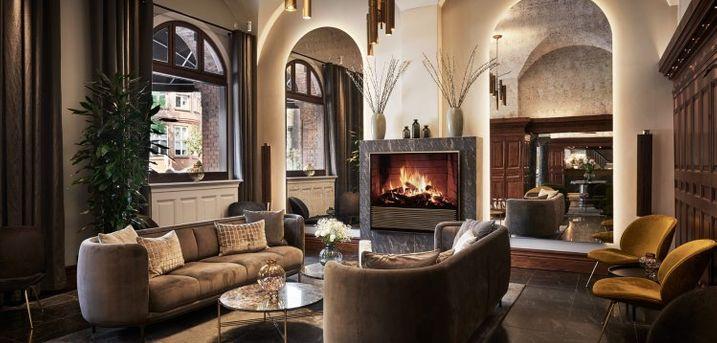 Nyd livet på Ascot Hotel i hjertet af København inkl. morgenmad. Perfekt beliggenhed i centrum inkl. dejligt dobbeltværelse, lækker morgenmad og fitness