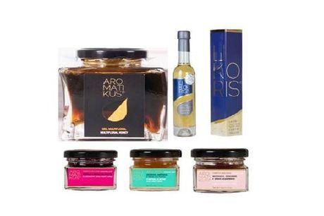 Um licor premiado e original a que se junta os aromáticos sabores portugueses em compotas biológicas. Receba em sua casa um Cabaz da Likoris & Aromatikus composto por 3 ou 5 produtos a partir de 24,90€