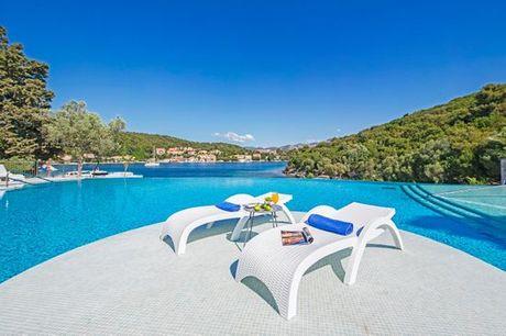Croazia Korcula - Port 9 Hotel 4* a partire da € 129,00. Moderno 4* in splendida baia sull'isola di Korcula