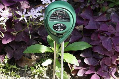 3-1 garden pH meter. To measure is to know. Measures the pH values of your garden soil. Measures the moisture content. Measures the sunlight intensity. Easily placed in the soil. Works without batteries