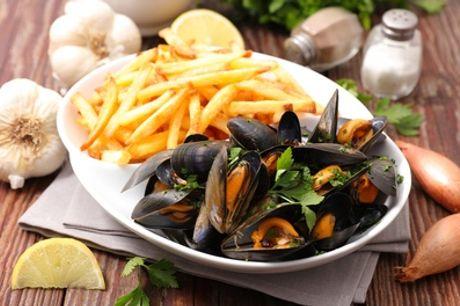 Repas en 2 ou 3 services pour 2 ou 4 personnes au choix au restaurant La Chaumière