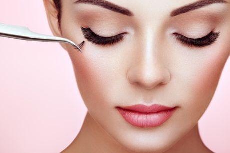 """Extension de cils """"classique effet naturel"""" ou 2D ou 3D en cils de soie à l'institut Makeup tatoo Paris"""