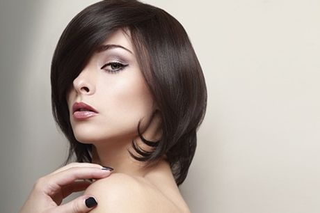 Cut, Finish And Conditioning Treatment With Half-Head Foils or Full Head Colour at Unique Hair Lounge