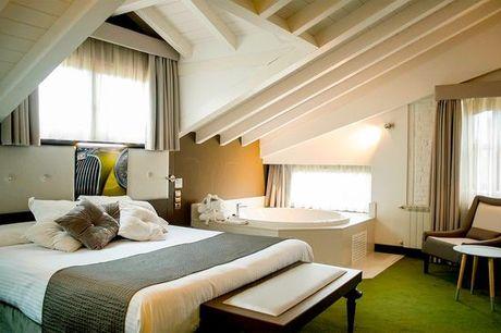 España Suances - Costa Esmeralda Suites 5* desde 91,00 €. Entorno rústico y romántico con opción a media pensión