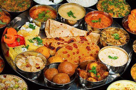 Valgfri hovedret med ris, brød og raita Den anmelderroste restaurant tilbyder indiske specialiteter, hvor krydderierne tilpasses gæsternes individuelle behov. De lægger vægt på den gode kombination af nordisk elegance og den klassiske Indiske.