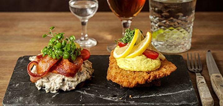 KØBENHAVN - Frokost på Barbar Bar: Stjerneskud, pariserbøf  eller 2 stk. de luxe smørrebrød.