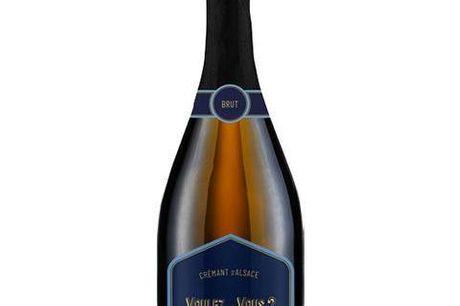 6 flasker Crémant d'Alsace fra Voulez Vous. Ejeren af restauranten Vouez Vous, Nicolas Vahe, har i samarbejde med vingården Maison JOSEPH CATTIN i Alsace skabt denne delikate crémant. Vinen er lavet på Pinot Blanc druer fra vinstokke, der er 10-15 år gaml