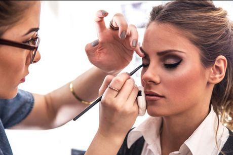 £19 for an online make-up artist diploma